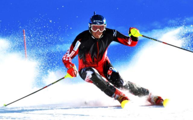 Картинки по запросу 1936 - Слалом и слалом-гигант — состязания горнолыжников включены в программу Олимпийских игр.